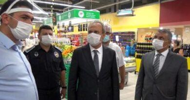 Silivri'de alışveriş merkezlerinde koronavirüs tedbirleri denetimi